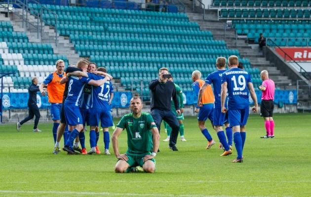FCI Levadia endine keskkaitsja Jevgeni Ossipov pärast mullu suvel Euroopa liiga esimese eelringi kordusmängus Islandi klubilt Stjarnan 120+1. minuti väravast saadud kaotust. Sama valus hoop, nagu Levadiale mullu juulis, sai Premium liigale tervikuna osaks nüüd, kui jäädi ilma neljandast eurosarjakohast. Foto: Oliver Tsupsman