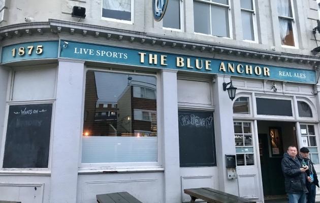 Sinise ankru pubi, kus jalgpallipäeva lõpetasime. Foto: Kaarel Karolin