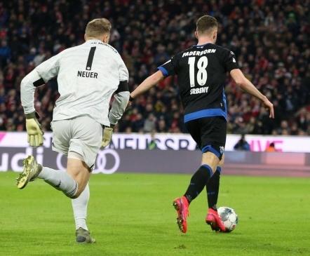 Neueri jäme prohmakas oli Bayernile võitu maksmas, aga Lewandowski päästis taas