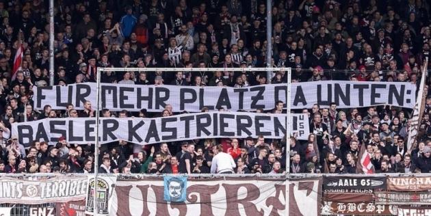 St Pauli fännid nõuavad Mario Basleri kastreerimist. Foto Express.de