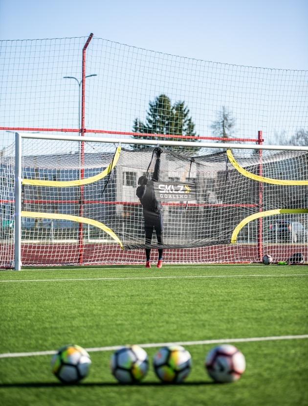 Paide äärekaitsja Karl Mööl töötab Nõmme Unitedis ja Rabonas ka treenerina ning erinevatest vahenditest tal puudust ei olnud. Foto: Brit Maria Tael
