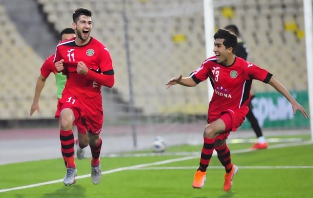 Istikloli ründaja Muhammadjon Rahhimov (nr 11) rõõmustab Hudžandile löödud 2:1 värava üle. Foto: Tadžikistani jalgpalliliidu Twitter