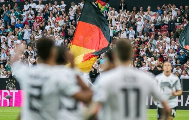 Koondisele elavad sakslased kaasa, aga isegi seal on paljud n-ö pühapäevafännid. Foto: Brit Maria Tael