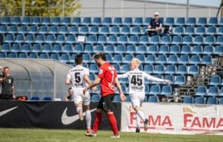 VAATA JÄRELE: Järvelaiu pomm tõi põnevikus Florale Narvast hilise võidu  (Kalev šokeeris Tammekat)