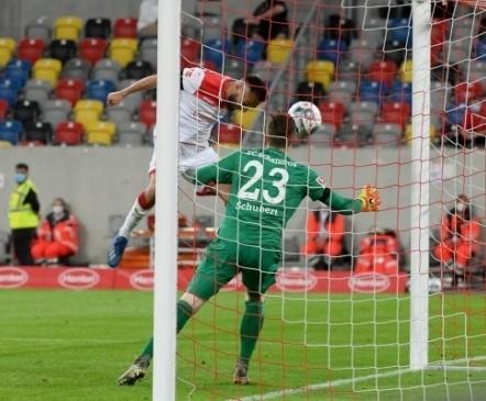 Schalke allakäigutrepp kipub muutuma liugteeks, Fortuna oli oma õnne sepp