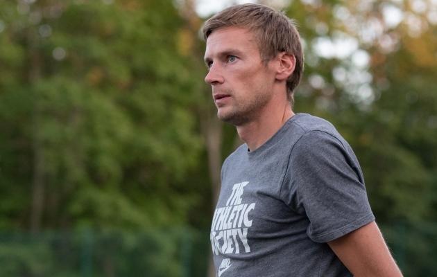 Poolteist aastat eemal olnud Dmitrijev tuleb suurde jalgpalli tagasi!