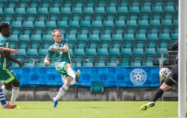 Siit lõi Roosnupp seisuks 2:0. Foto: Jana Pipar / jalgpall.ee