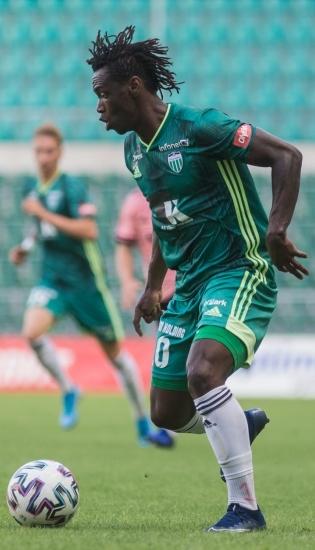 FCI Levadia ääreründaja Aime Marcelin Gando Biala oli esimesel väga hea, aga 65. minutil jättis realiseerimata hiilgava võimaluse meeskond 2:0 juhtima viia. Foto: Jana Pipar / jalgpall.ee