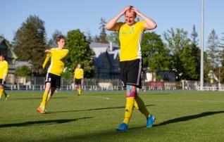 VAATA JÄRELE: Seitse väravat, kolm punast, kaks penaltit: Tammeka U21 ja Järve pidasid haarava lahingu