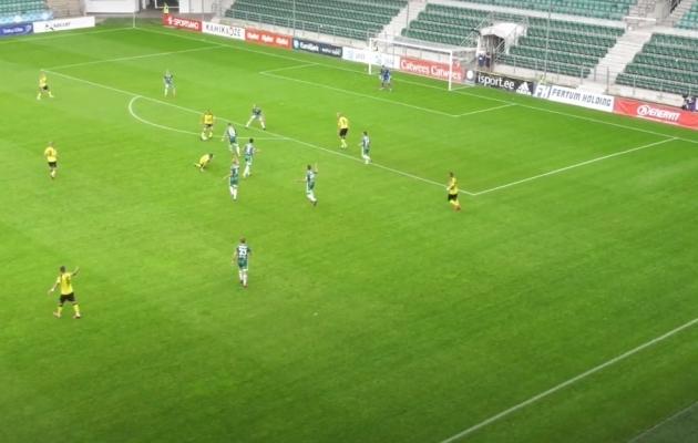 Olukord 21. minutil, kus Kristjan Kask lõi värava, mis suluseisu tõttu tühistati. Foto: Soccernet.ee