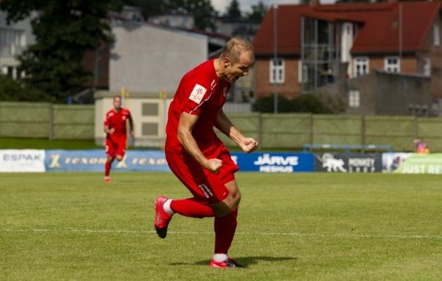Enim pealelööke tegi Viljandi Tulevikule kaks väravat löönud Nikita Andrejev. Foto: Liisi Troska