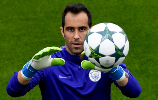 Claudio Bravo on teel Hispaaniasse. Foto: UEFA Champions League / Twitter