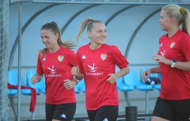 Lisette Tammik on viimastel aastatel mänginud Itaalia tugevuselt teises ja kolmandas liigas ning Hispaania meistrisarjas. Foto: Santa Teresa / Facebook