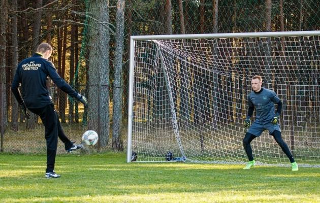 Seni on Mart Poom treeninud Karl Jakob Heina Nõmme Unitedis. Nüüdsest ka Eesti A-koondises. Foto: Oliver Tsupsman