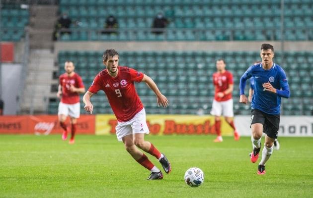 Georgi Tunjov grusiine taga ajamas. Foto: Jana Pipar / jalgpall.ee