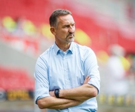 Mängijad streikisid ja teine peatreener sai kinga: Bundesliga hooaeg on alanud ajalooliselt tormiselt