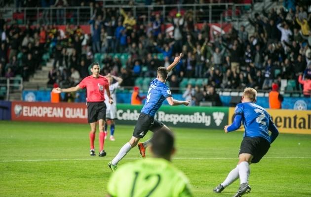 Kohtunik näitab väravat, Mattias Käidil on tähistamiseks käsi püsti - selline oli vaatepilt, kui Eesti koondis viimati Tallinnas mängu võitis. Foto: Brit Maria Tael