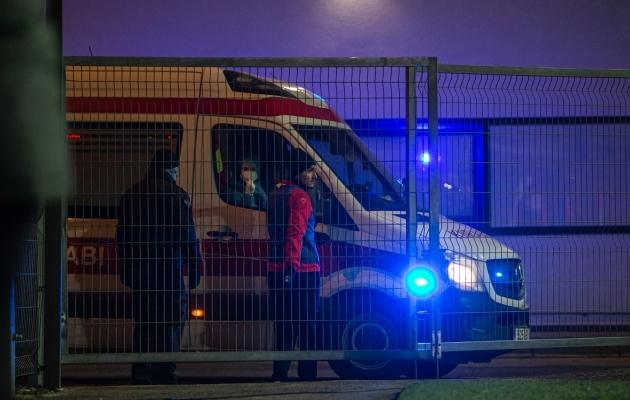 Kiirabiauto eilsel Legion - Kuressaare mängul. Sellega toimetati haiglasse German Šlein. Foto: Jana Pipar / jalgpall.ee