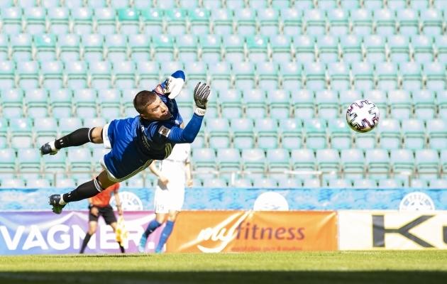 Artur Kotenko naasis suurde jalgpalli ja mängis Levadias oma koha igati eeskujulikult välja. Foto: Liisi Troska