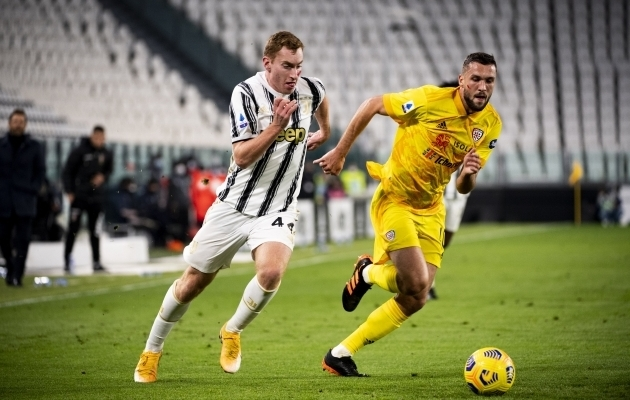 Sebastian Walukiewicz (paremal) mängus Torino Juventuse vastu. Foto: Scanpix / Marco Alpozzi / Zuma Press