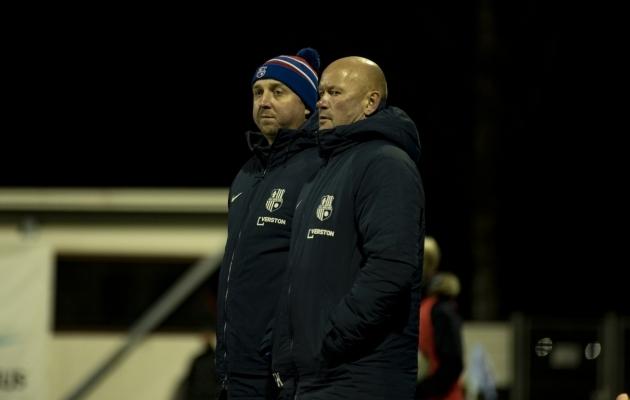 Paide peatreener Vjatšeslav Zahovaiko ja tema abiline Erki Kesküla, kes tüürib U21 võistkonda. Foto: Liisi Troska / jalgpall.ee