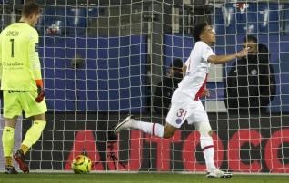 Esiviisiku-sisestest duellidest võtsid võidu PSG ja Lille