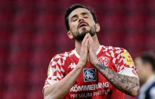 Mainz suutis karikasarjas võidu kolm korda maha mängida, Regionalliga klubi šokeeris Fortunat