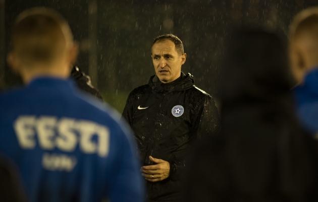 Thomas Häberli oma esimesel treeningul Eesti koondise peatreenerina. Foto: Liisi Troska / jalgpall.ee