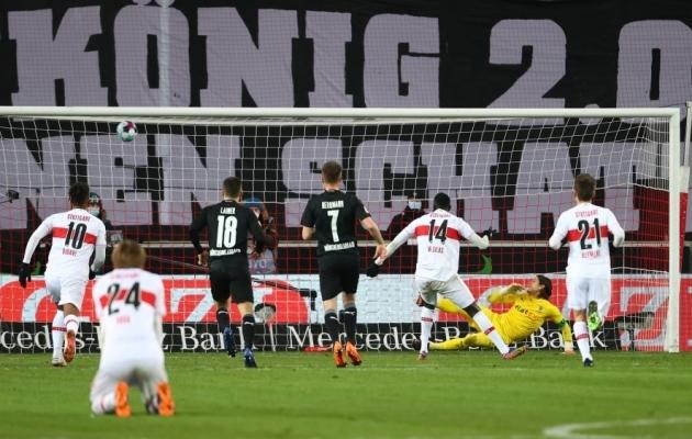 Nii realiseeris Silas Wamangituka kuuendal üleminutil penalti. Foto: Scanpix / Kai Pffafenbach / Reuters