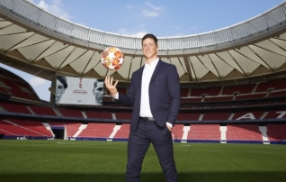 Fernando Torresest sai Atletico reservmeeskonna treener