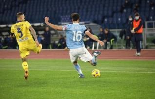 Lazio mängis küll õnnega, kuid kapten täitis oma kohustust ja tüüris omad veerandfinaali
