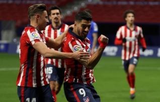 Võitjamentaliteet: vastaste esikinnas (!) jättis Atletico kaotusseisu, kuid sangar Suarez päästis päeva