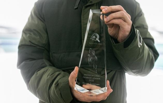 Premium liiga fännide lemmiku auhinna valmistas Soccernet.ee hea partner auhinnad.ee. Foto: Brit Maria Tael