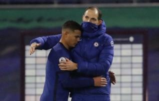 Chelsea keerutas Tucheli debüüdil iseennast uimaseks, Burnley šokeeris Villat