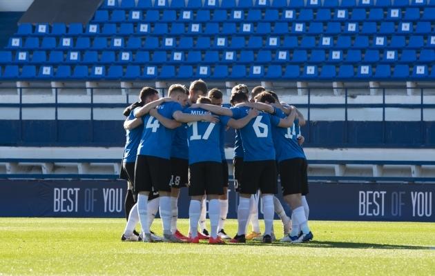 Eesti meeskond enne jaanuaris Marbellas peetud treeningmängu Budapesti Ferencvarosega. Foto: Liisi Troska / jalgpall.ee