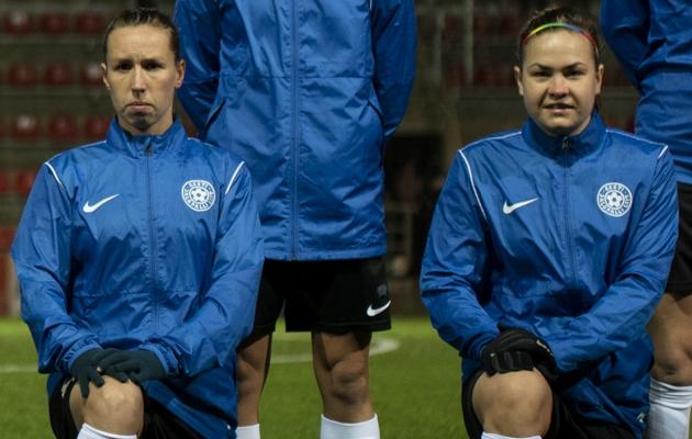 Pille Raadik (vasakul) ja Signy Aarna. Foto: Liisi Troska / jalgpall.ee