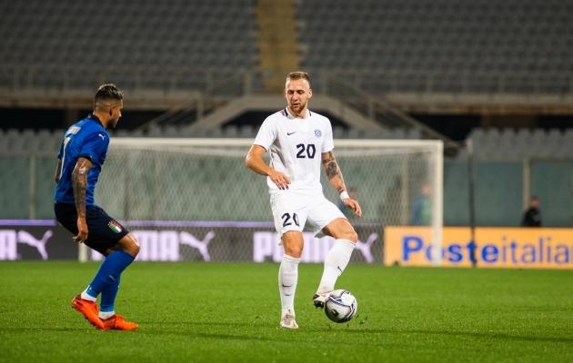 Mihkel Ainsalu koondise sügiseses mängus Itaalia vastu. A-koondist on ta esindanud 13 kohtumises. Foto: Jana Pipar / jalgpall.ee