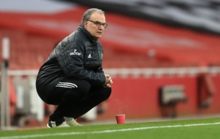 Leeds soovib peatreeneri jätkamist, aga Bielsa tahab hooaja lõpuni oodata