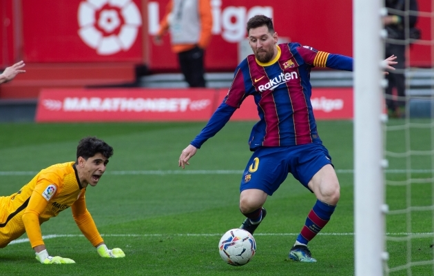 Lionel Messi on Bono tõrje järel palli enda valdusesse haaranud ja lööb kohe 2:0. Sevilla väravavaht karjub vaid ahastuses. Foto: Scanpix / Joaquin Corchero / AFP7 via ZUMA Wire