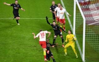 Avapoolaja 0:2 tuppa saanud Leipzig ronis kolmandal üleminutil Bayerni kukile