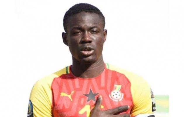 Paidega liitus Ghana noortekoondise kaptenipaela kandnud keskkaitsja