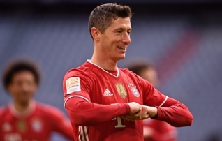 Halvad uudised Bayernile: Lewandowski jääb Meistrite liiga veerandfinaalis pealtvaatajaks