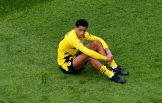 Dortmundi 17-aastane poolkaitsja langes rassistlike solvangute ohvriks