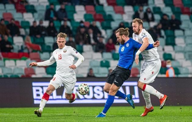 Henri Anier Valgevenele esimest väravat löömas. Foto: Jana Pipar / jalgpall.ee