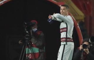 Ronaldo lugemata jäänud väravast: tunne on selline, nagu kõiki portugallasi oleks karistatud