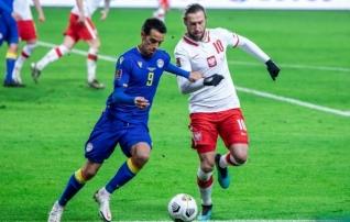 Poola on plindris: kaks mängijat andsid positiivse koroonaproovi