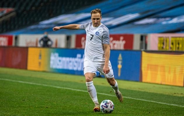 Sander Puri kuulus mängus Rootsiga põhikoosseisu ja tegi väga hea partii. Foto: Jana Pipar / jalgpall.ee