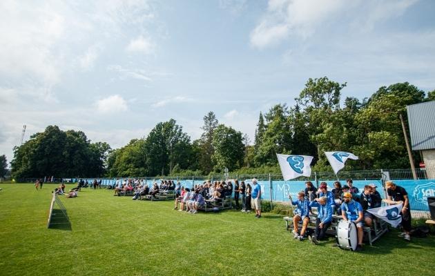 Pealtvaatajad Saku Sportingu kodumängul. Foto: Oliver Tsupsman