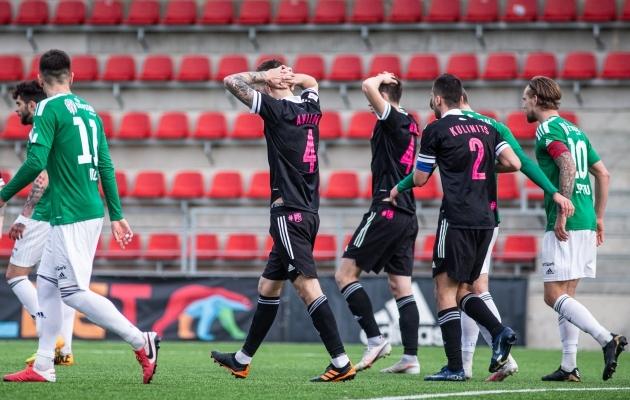 Nõmme Kalju mängijad pärast 89. minuti intsidenti. Foto: Jana Pipar / jalgpall.ee