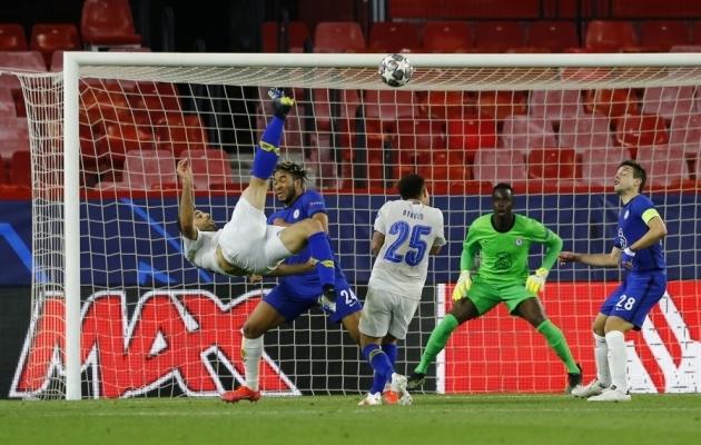 Nii lendas väravasse Mehdi Taremi käärlöök. Sellest jäi paraku Porto jaoks väheks. Foto: Scanpix / Marcelo del Pozo / Reuters